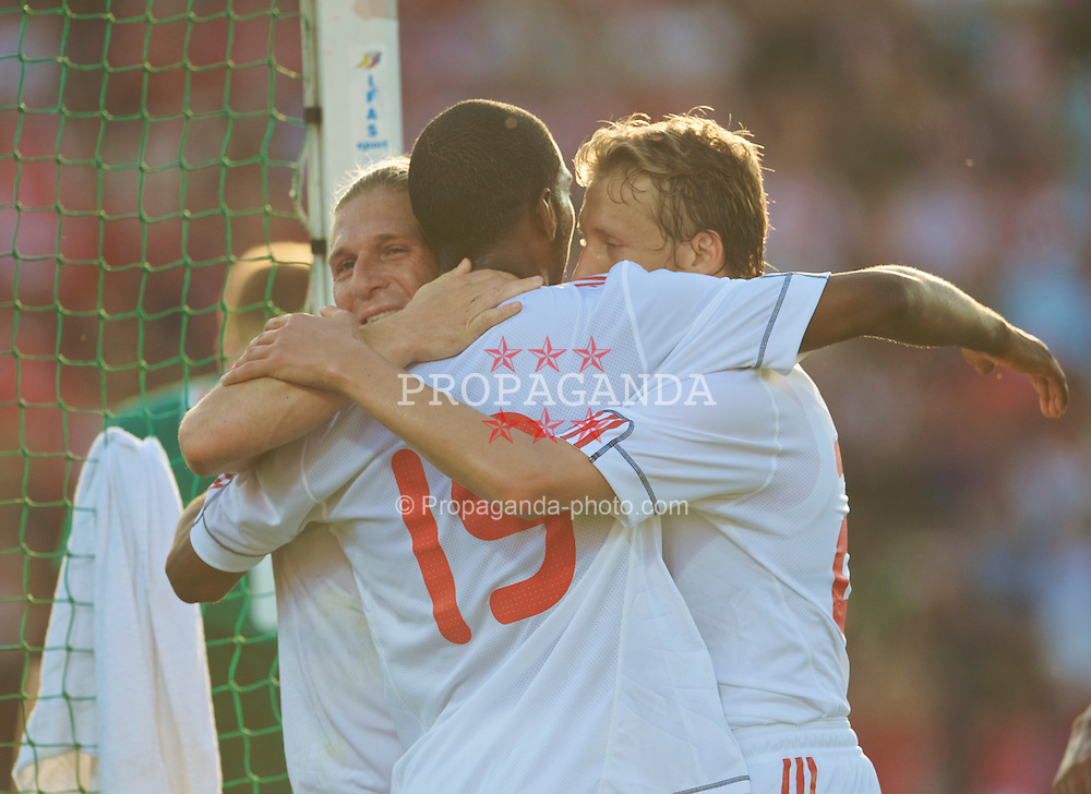 OSLO, NORWAY - Wednesday, August 5, 2009: Liverpool's Andriy Voronin celebrates scoring the opening goal against FC Lyn Oslo during a preseason match at the Bislett Stadion. (Pic by David Rawcliffe/Propaganda)