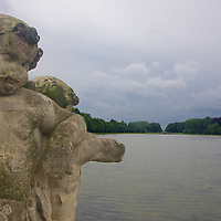 On the opposite side of the lake from Neptune's statue, 2 Putti (like cherubs, but secular) hang out on the back of 2 Centaurs - a small touch of Greek Mythology in the middle of Belgium.