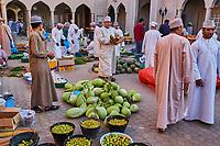Sultanat d'Oman, gouvernorat de Ad-Dakhiliyah, Nizwa, le marché aux legumes du vendredi //Sultanate of Oman, Ad-Dakhiliyah Region, Nizwa, friday vegetable market