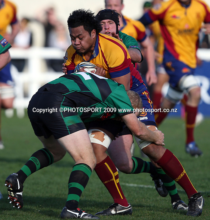 Samisoni Tongotongo on the charge.<br /> North Otago v South Canterbury. Heartland Championship. Whitestone Contracting Stadium, Oamaru. Saturday 29 August 2009. Photo: Rob Jefferies/PHOTOSPORT