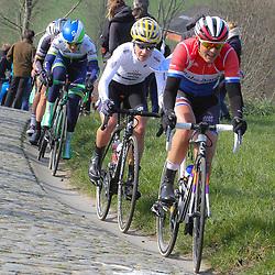 27-02-2016: Wielrennen: Omloop Nieuwsblad vrouwen: Gent<br />GENT (BEL) wielrennen<br />De opening van het Noord Europese wielerseizoen is traditioneel de opening van het wielerseizoen bij de mannen en vrouwen. Lucinda Brand, Emma Johansson