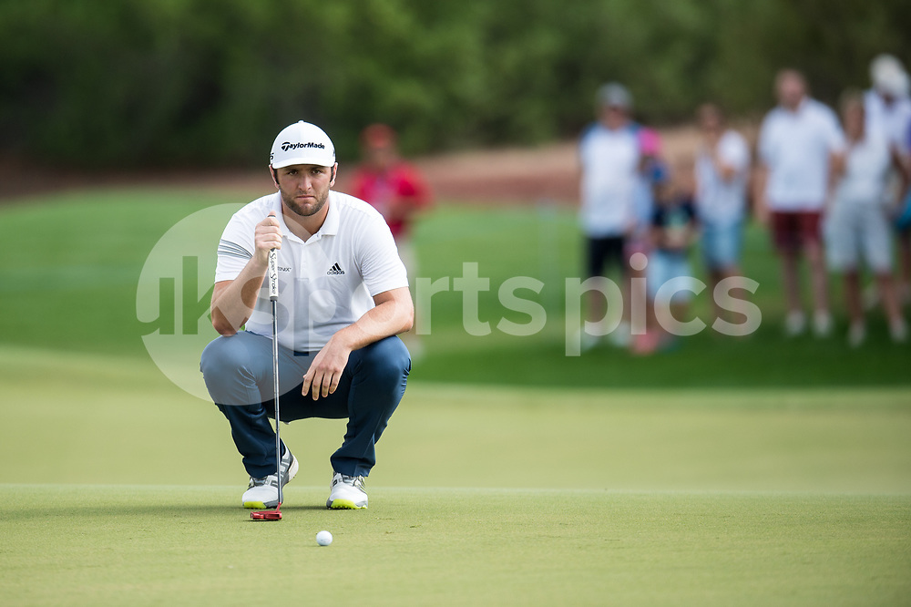 Jon Rahm of Spain lines up a putt during the European Tour DP World Championship at Jumeirah Golf Estates, Dubai, UAE on 16 November 2017. Photo by Grant Winter.
