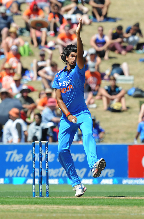 India's Ishant Sharma bowls against New Zealand in the first one day International cricket match, McLean Park, New Zealand, Sunday, January 19, 2014. Credit:SNPA / Ross Setford