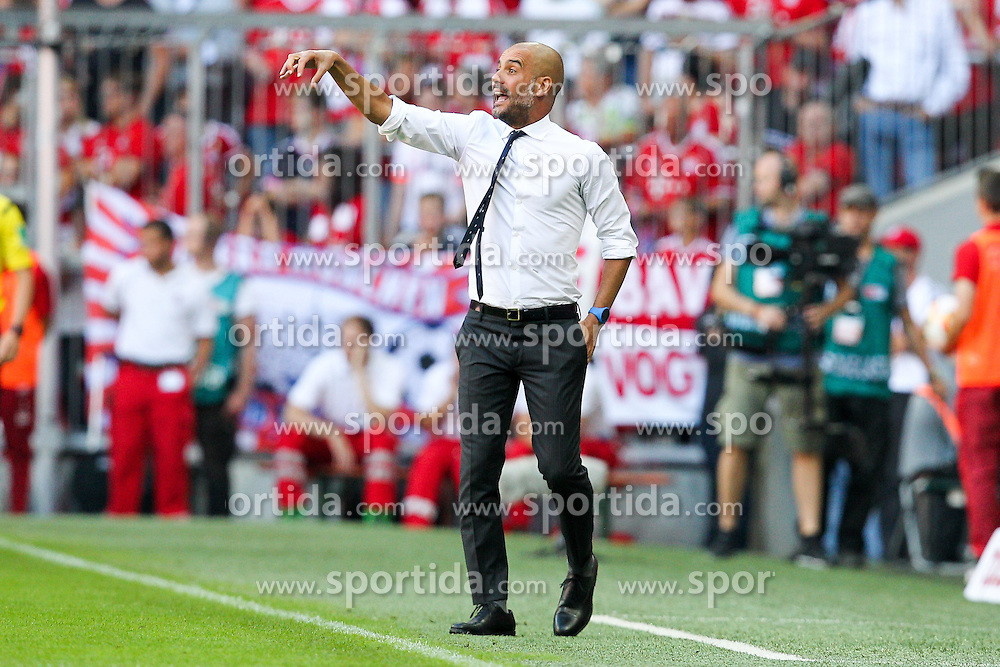 12.09.2015, Allianz Arena, Muenchen, GER, 1. FBL, FC Bayern Muenchen vs FC Augsburg, 4. Runde, im Bild Chef-Trainer Pep Guardiola (FC Bayern Muenchen) // during the German Bundesliga 4th round match between FC Bayern Munich and FC Augsburg at the Allianz Arena in Muenchen, Germany on 2015/09/12. EXPA Pictures &copy; 2015, PhotoCredit: EXPA/ Eibner-Pressefoto/ Kolbert<br /> <br /> *****ATTENTION - OUT of GER*****