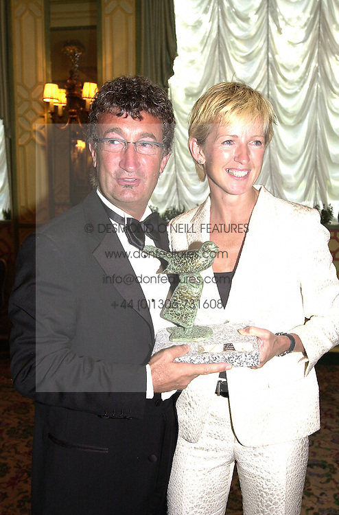 MR & MRS EDDIE JORDAN, he is the owner of the Jordan Formula<br />  1 racing team, at a dinner in London on 19th June 2000.OFK 34<br /> © Desmond O'Neill Features:- 020 8971 9600<br />    10 Victoria Mews, London.  SW18 3PY <br /> www.donfeatures.com   photos@donfeatures.com<br /> MINIMUM REPRODUCTION FEE AS AGREED.<br /> PHOTOGRAPH BY DOMINIC O'NEILL