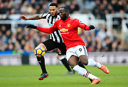 Romelu Lukaku of Manchester United challenges Jamaal Lascelles of Newcastle United - Mandatory by-line: Matt McNulty/JMP - 11/02/2018 - FOOTBALL - St James Park - Newcastle upon Tyne, England - Newcastle United v Manchester United - Premier League