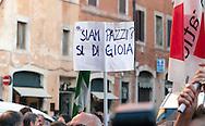 Roma  30 Maggio 2011. I partiti di centrosinistra festeggiano la vittoria delle elezioni comunali  in Italia al Pantheon con un comizio del segretario del Partito Democratico  Pier Luigi Bersani..