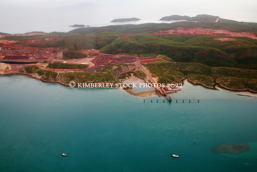 Aerial view of the shiploader on Koolan Island 2008