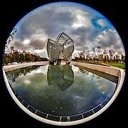 November 21~28, 2014  •  Paris, France  •  new images for 'aRound Paris'  •  the Frank Gehry designed Louis Vuitton museum located in the Bois de Boulogne on Avenue du Mahatma Ganghi