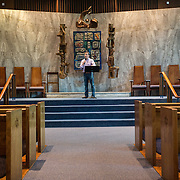 WASHINGTON, DC - SEP30:  Rabbi Jonathan Roos, Rabbi at Temple Sinai synagogue in Washington, DC,  practices his sermon September 30, 2016, in advance of the Jewish New Year, which begins Sunday night. (Photo by Evelyn Hockstein/For The Washington Post)