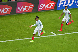 LENS, FRANCE - Thursday, June 16, 2016: England's Daniel Sturridge celebrates scoring the winning second goal against Wales in injury time with team-mate Marcus Rashford during the UEFA Euro 2016 Championship Group B match at the Stade Bollaert-Delelis. (Pic by Paul Greenwood/Propaganda)