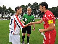 15-07-2008 VOETBAL:CSKA SOFIA - WILLEM II:TILBURG<br /> Scheidsrechter Kevin Blom bij de aftrap met beide aanvoerders Sa&iuml;d Boutahar en Todor Yanchev<br /> Foto: Geert van Erven
