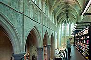 NLD, Netherlands, Maastricht, Selexyz Dominicanen Bookstore inside the Dominicanenkerk (Dominican Church), the church dates from the 13th century and is one of the oldest Gothic churches in the Netherlands, where once was the altar is now the cafe Coffeelovers. -<br /> <br /> NLD, Niederlande, Maastricht, Buchhandlung Selexyz Dominicanen in der ehemaligen Dominikanerkirche, die Kirche stammt aus dem 13. Jahrhundert und ist eine der aeltesten gotischen Kirchen der Niederlande, wo einst der Altar stand ist heute das Lesecafe Coffeelovers.