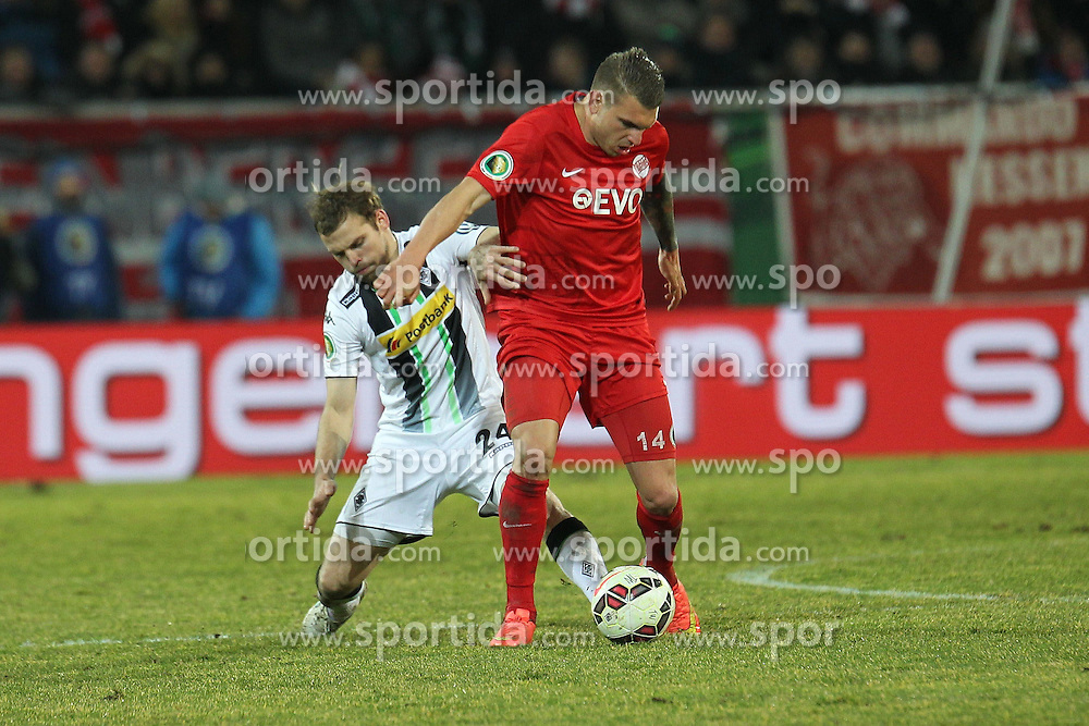 04.03.2015, Sparda Bank Hessen Stadion, Offenbach, GER, DFB Pokal, Kickers Offenbach vs Borussia Moenchengladbach, Achtelfinale, im Bild Zweikampf zwischen Tony Jantschke (Moenchengladbach) u. Christian Cappek (Offenbach) // during German DFB Pokal last sixteen match between Kickers Offenbach and Borussia Moenchengladbach at the Sparda Bank Hessen Stadion in Offenbach, Germany on 2015/03/04. EXPA Pictures &copy; 2015, PhotoCredit: EXPA/ Eibner-Pressefoto/ Roskaritz<br /> <br /> *****ATTENTION - OUT of GER*****