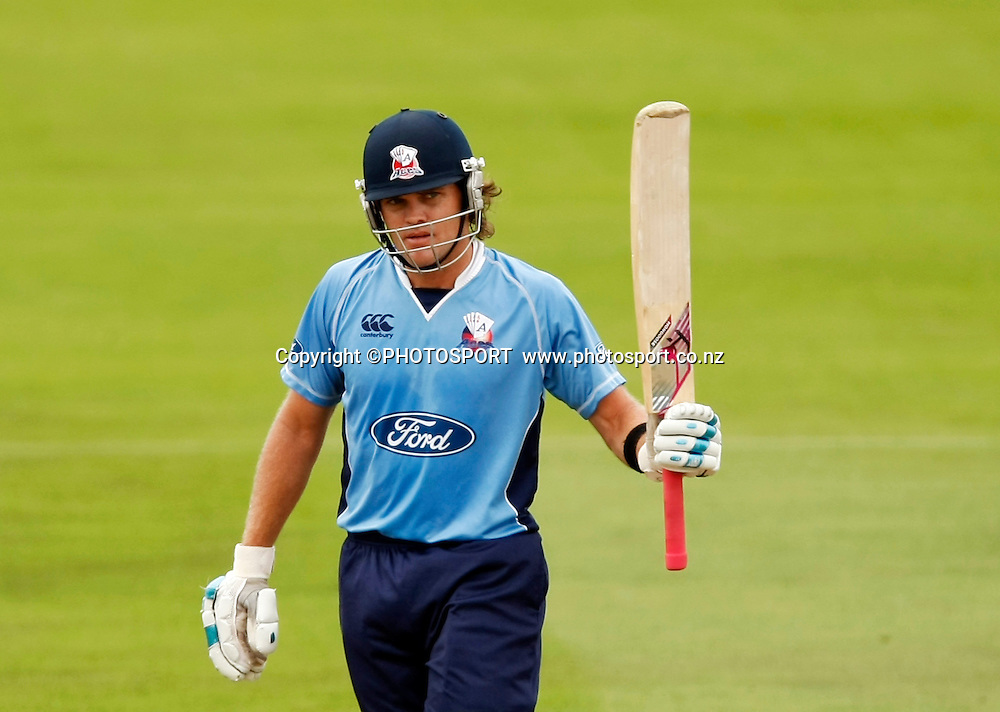 Auckland batsman Lou Vincent raises his bat for 50 runs. Canterbury Wizards v Auckland Aces in the One Day Competition Final. QEII Park, Christchurch, New Zealand. Sunday, 13 February 2011. Joseph Johnson / PHOTOSPORT.