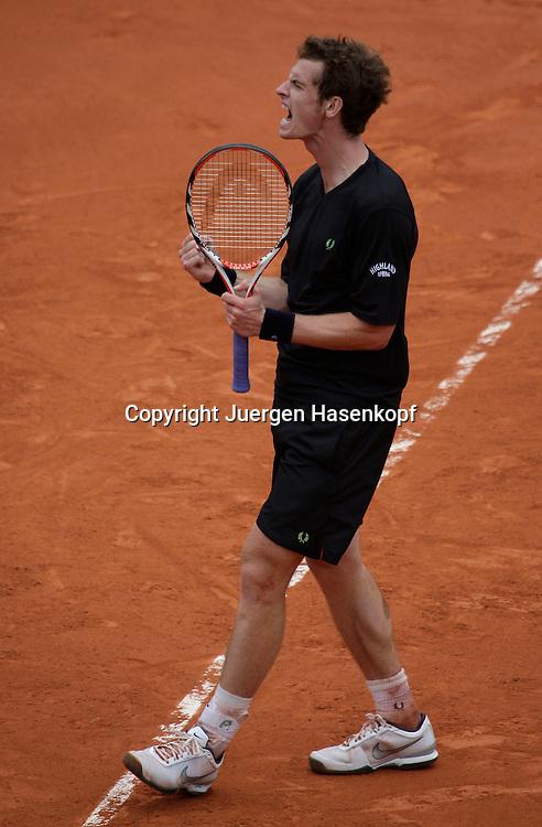 French Open 2009, Roland Garros, Paris, Frankreich,Sport, Tennis, ITF Grand Slam Tournament,<br /> Andy Murray (GBR) macht die Faust und jubelt,schreit,Jubel,Emotion<br /> <br /> Foto: Juergen Hasenkopf