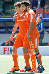 THE HAGUE - Rabobank Hockey World Cup 2014 - 13-06-2014 - MEN - SEMI-FINAL THE NETHERLANDS - ENGLAND 1-0 - Jelle GALEMA en Valentin VERGA.<br /> Copyright: Willem Vernes