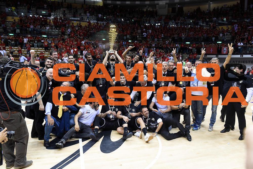 esultanza Segafredo Bologna<br /> Alma Trieste - Segafredo Bologna<br /> Campionato Basket LNP 2016/2017<br /> Playoff Finale Gara 3<br /> Trieste 19/06/2017<br /> Foto Ciamillo-Castoria