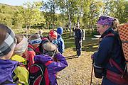 Solveig Græsli (t.h.) og Marit Østby Nilsen, naturforvaltere i Fjelldriv AS. De to naturforvalterne skal for første gang ta med skolebarn ut i fjellet for å se fjellrev ved hiet. Turen går fra turistforeningens hytte Nedalshytta, og et par times marsj ut i Sylan.