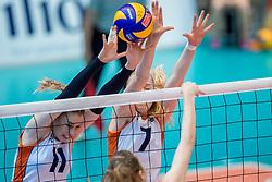 02-04-2017 NED:  CEV U18 Europees Kampioenschap vrouwen dag 2, Arnhem<br /> Nederland - Rusland 3-0 / Lisa Nobel #11, Demi Korevaar #7