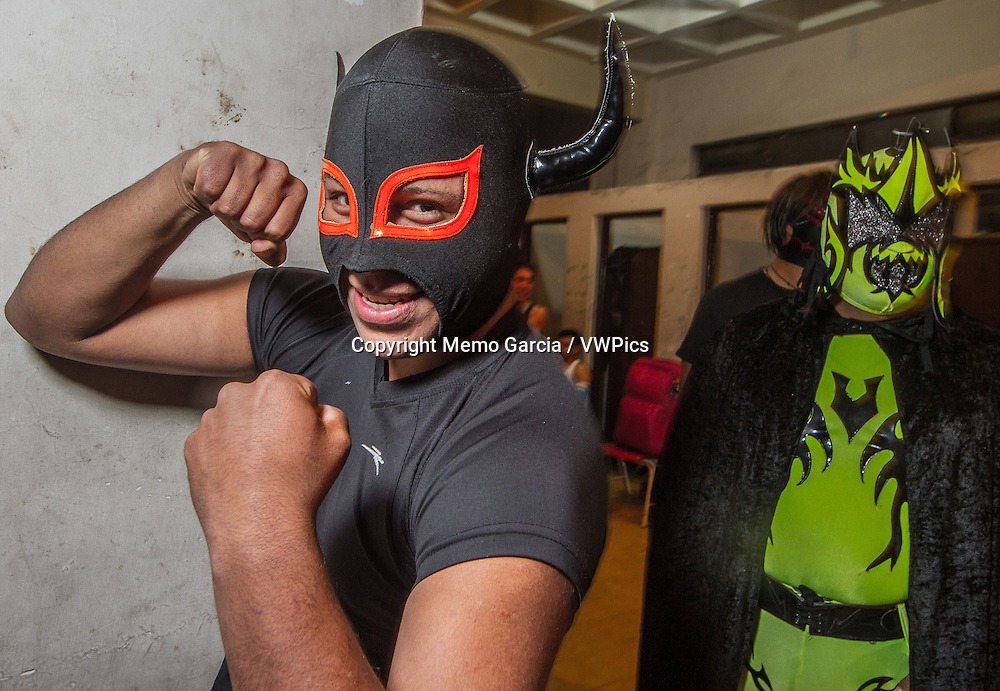 """Free Wrestling in Mexico is huge, this """"sport"""" or """"spectacle"""" gets to all kink of people and eages. Wrestelers become anonymous heros behind their"""