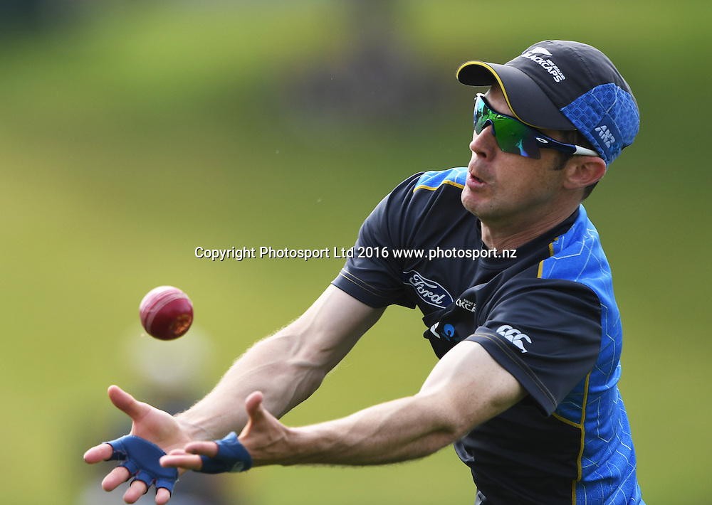 Todd Astle during fielding practice.<br /> New Zealand Black Caps v Pakistan. Day 2, 2nd test match. Saturday 26 November 2016. Seddon Park, Hamilton, New Zealand. &copy; Copyright photo: Andrew Cornaga / www.photosport.nz
