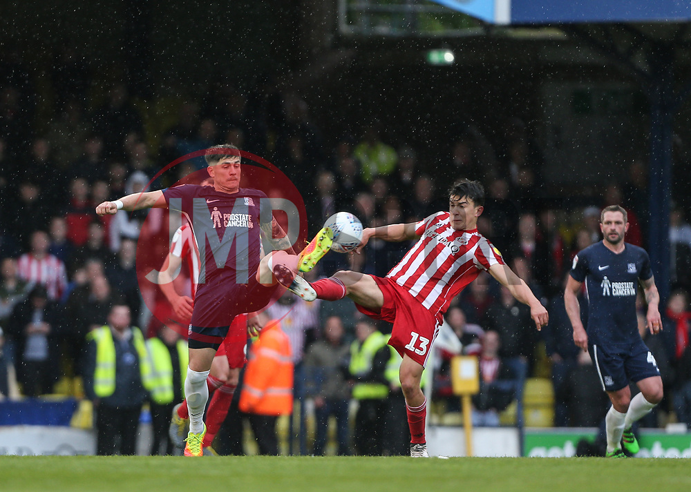 Rob Kiernan of Southend United and Luke O'Nien of Sunderland challenge for the ball - Mandatory by-line: Arron Gent/JMP - 04/05/2019 - FOOTBALL - Roots Hall - Southend-on-Sea, England - Southend United v Sunderland - Sky Bet League One