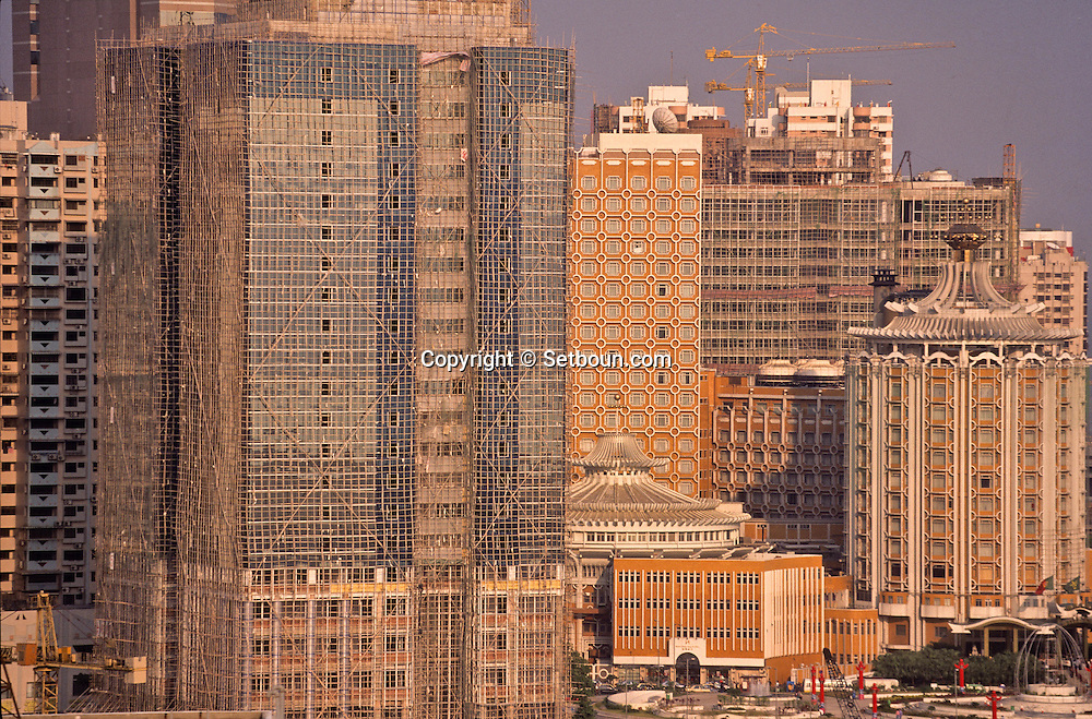 new buildings in the new reclamation area in internal harbour. Macau  ///  polder et nouveaux quartiers de Macao /// R00228/13    L1618  /  R00228  /  P0006556