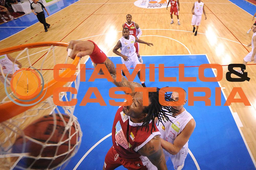 DESCRIZIONE : Riccione SuisseGas All Star Game 2012<br /> GIOCATORE : James Thomas<br /> CATEGORIA : tiro schiacciata special<br /> SQUADRA : Team Ovest<br /> EVENTO : All Star Game 2012<br /> GARA : Est Ovest<br /> DATA : 06/04/2012<br /> SPORT : Pallacanestro<br /> AUTORE : Agenzia Ciamillo-Castoria/C.De Massis<br /> Galleria : Lega Basket A2 2011-2012 <br /> Fotonotizia : Riccione SuisseGas All Star Game 2012<br /> Predefinita :