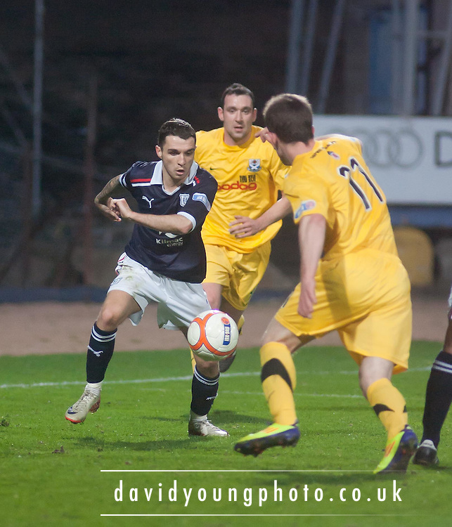 Dundee's Jamie McCluskey runs at the Ayr United defence - Dundee v Ayr United, Irn Bru Scottish Football League First Division at Dens Park..© David Young - 5 Foundry Place - Monifieth - DD5 4BB - Telephone 07765 252616 - email; davidyoungphoto@gmail.com - web; www.davidyoungphoto.co.uk