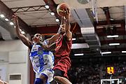 DESCRIZIONE : Campionato 2014/15 Dinamo Banco di Sardegna Sassari - Umana Reyer Venezia<br /> GIOCATORE : Phil Goss<br /> CATEGORIA : Tiro Penetrazione Sottomano<br /> SQUADRA : Umana Reyer Venezia<br /> EVENTO : LegaBasket Serie A Beko 2014/2015<br /> GARA : Dinamo Banco di Sardegna Sassari - Umana Reyer Venezia<br /> DATA : 03/05/2015<br /> SPORT : Pallacanestro <br /> AUTORE : Agenzia Ciamillo-Castoria/C.Atzori