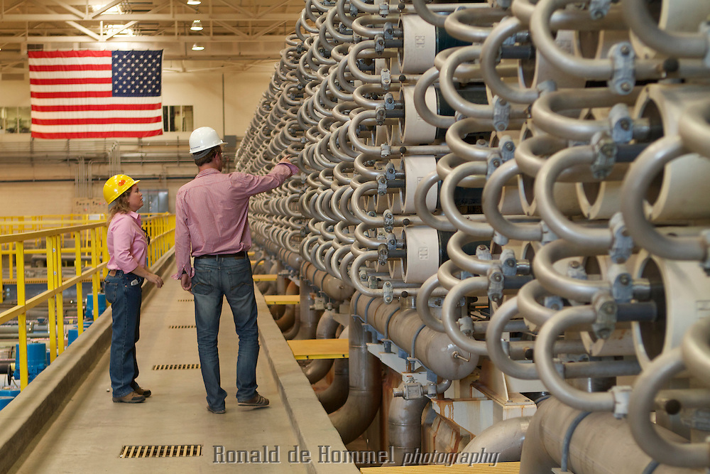 A pricey desalination plant in Yuma on the border with Mexico has been standing idle for more than 20 years. It is now making a test run. If the 10 year drought in the American Southwest will continue, it may be taken into full operation, to purify agricultural runoff so it can be delivered to Mexico as part of the annual 1,5 Million acre-feet of Colorado water that the US has to deliver.
