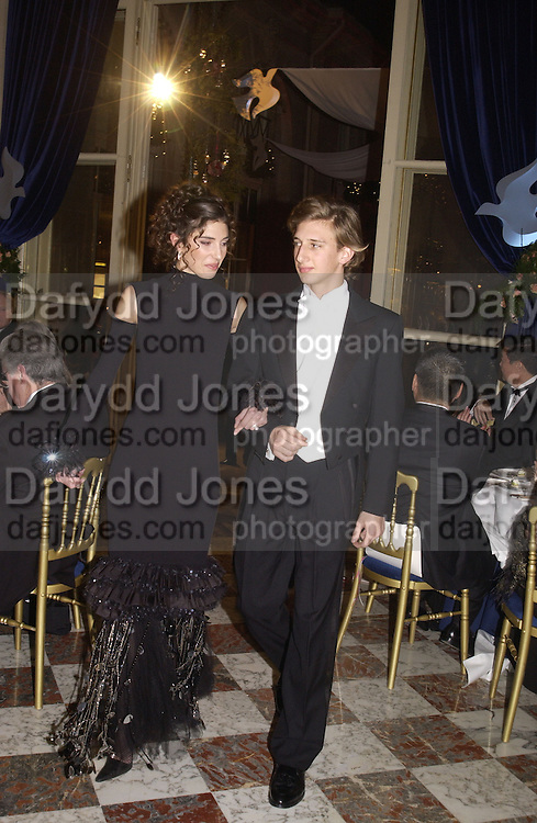 Amelie de la Bedoyere and Ludovic de Richecourt. Crillon Debutantes Ball 2002. Paris. 7 December 2002. © Copyright Photograph by Dafydd Jones 66 Stockwell Park Rd. London SW9 0DA Tel 020 7733 0108 www.dafjones.com