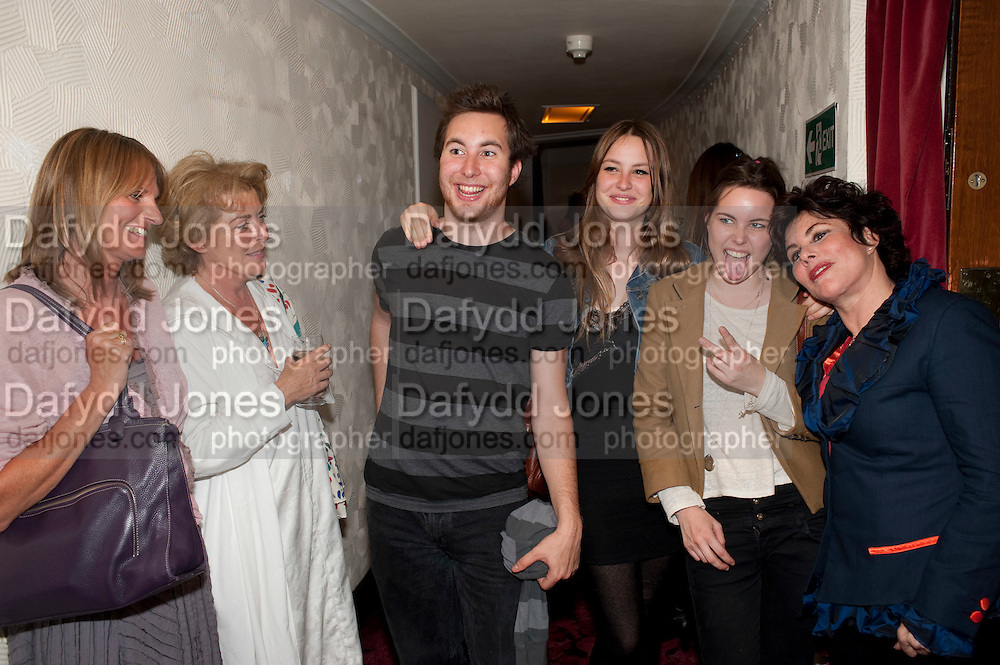 GWYNETH STRONG; SUZANNE BERTISH; MAX BYE;  MARINA BYE,; MADDY BYE;  RUBY WAX, Press night for Ruby Wax- Losing it. Duchess theatre. London. 1 September 2011. <br /> <br />  , -DO NOT ARCHIVE-© Copyright Photograph by Dafydd Jones. 248 Clapham Rd. London SW9 0PZ. Tel 0207 820 0771. www.dafjones.com.