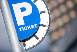 THEMENBILD - ein Parkticket Schild, aufgenommen am 20.10.2015 in Innsbruck, Österreich // a parking ticket sign in Innsbruck, Austria on 2015/10/20. EXPA Pictures © 2015, PhotoCredit: EXPA/ Jakob Gruber