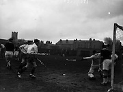 16/01/1960<br /> 01/16/1960<br /> 16 January 1960<br /> Interprovincial Mens Hockey: Ulster v Connaught. Connaught's goal keeper, R. Stachwell stretches to make a block during the Senior mens Interprovincial at Londonbridge Road, Dublin.
