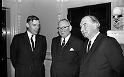 17/11/1964<br /> 11/17/1964<br /> 17 November 1964<br /> <br /> Dr. G. R. Fryers Managing Director Nicholas Labs Ltd., Mr C.W. Chesson Retired Managing Director and Dr T. McLaughlin