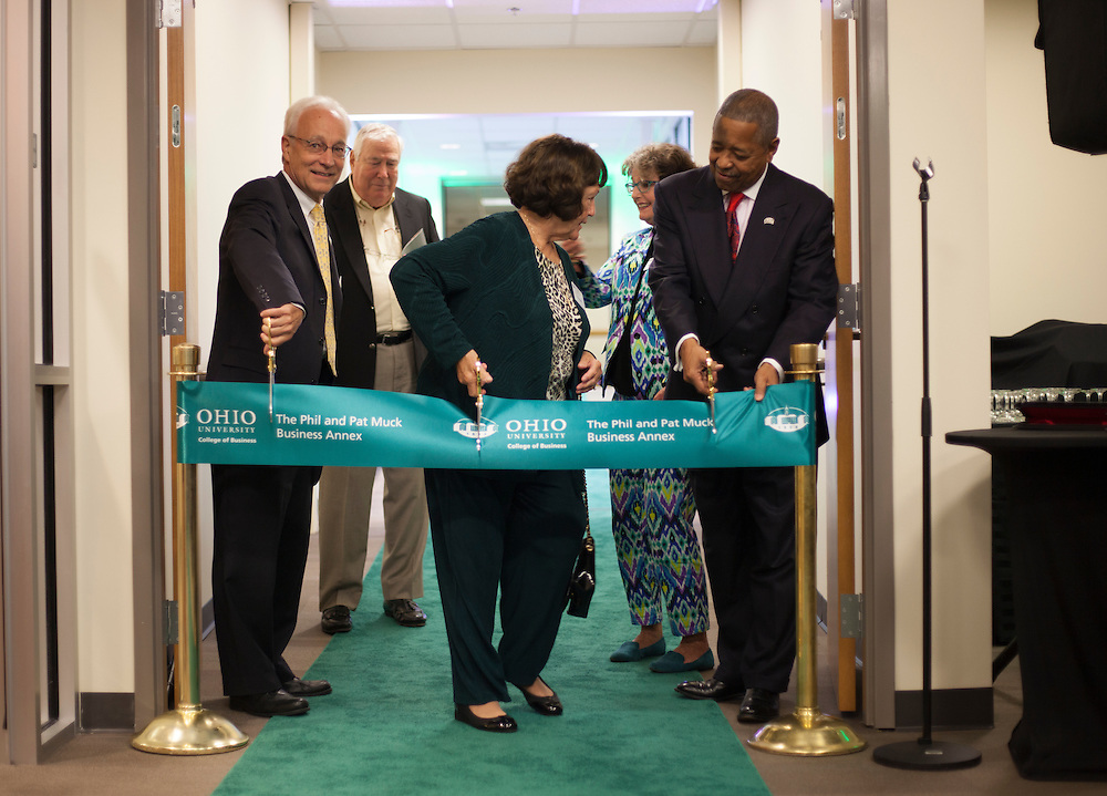 The Phil and Pat Muck Business Annex Ribbon Cutting. © Ohio University / Photo by Kaitlin Owens