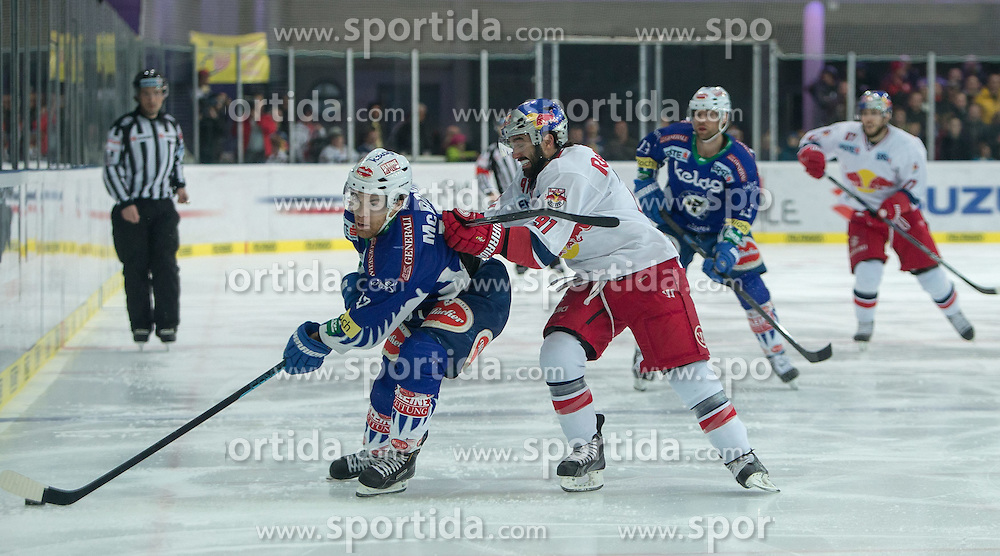 15.03.2015, Eisarena, Salzburg, AUT, EBEL, EC Red Bull Salzburg vs EC VSV, 59. Runde, 5. Viertelfinale, im Bild v.l.: Brock McBride (EC VSV), Dominique Heinrich (EC Red Bull Salzburg) // during the Erste Bank Icehockey League 59th round match, 5th quarterfinal between EC Red Bull Salzburg and EC VSV at the Eisarena in Salzburg, Austria on 2015/03/15. EXPA Pictures © 2015, PhotoCredit: EXPA/ JFK