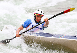 27.06.2015, Verbund Wasserarena, Wien, AUT, ICF, Kanu Wildwasser Weltmeisterschaft 2015, K1 women, im Bild Alke Overbeck (GER) // during the final run in the women's K1 class of the ICF Wildwater Canoeing Sprint World Championships at the Verbund Wasserarena in Wien, Austria on 2015/06/27. EXPA Pictures © 2014, PhotoCredit: EXPA/ Sebastian Pucher