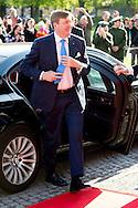 munchen - MUNCHEN -   Koning Willem-Alexander en koningin Maxima in het museum de Alte Pinakothek waar zij de gerestoreerde Hollander-Saal heropenen.Koning Willem-Alexander en koningin Maxima brengt een bezoek aan BMW Welt, het kennismakings- en distributiecentrum van BMW Groep.  <br /> Koning Willem-Alexander en koningin Maxima een tweedaags werkbezoek aan de Duitse deelstaat Beieren met als doel de goede relatie tussen Nederland en Beieren te versterken.  copyright robin utrecht
