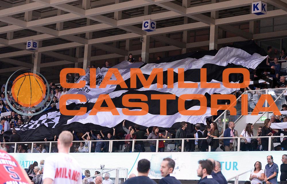 DESCRIZIONE : Trento Lega A 2015-16 Dolomiti Energia Trento - EA7 Emporio Armani Olimpia Milano<br /> GIOCATORE : tifosi<br /> CATEGORIA : <br /> SQUADRA : Dolomiti Energia Trento<br /> EVENTO : Campionato Lega A 2015-2016 GARA : Dolomiti Energia Trento - EA7 Emporio Armani Olimpia Milano <br /> DATA : 08/10/2015 <br /> SPORT : Pallacanestro <br /> AUTORE : Agenzia Ciamillo-Castoria/Rmorgano<br /> Galleria : Lega Basket A 2015-2016 Fotonotizia : Trento Lega A 2015-16 Dolomiti Energia Trento - EA7 Emporio Armani Olimpia Milano