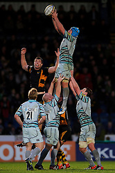 Leicester Flanker (#6) Jordan Crane wins a lineout during the second half of the match - Photo mandatory by-line: Rogan Thomson/JMP - Tel: Mobile: 07966 386802 25/11/2012 - SPORT - RUGBY - Adams Park - High Wycombe. London Wasps v Leicester Tigers - Aviva Premiership.