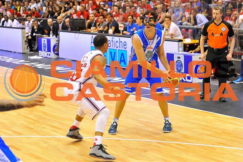 DESCRIZIONE : Campionato 2013/14 Semifinale GARA 2 Olimpia EA7 Emporio Armani Milano - Dinamo Banco di Sardegna Sassari<br /> GIOCATORE : Giacomo Devecchi<br /> CATEGORIA : Palleggio<br /> SQUADRA : Dinamo Banco di Sardegna Sassari<br /> EVENTO : LegaBasket Serie A Beko Playoff 2013/2014<br /> GARA : Olimpia EA7 Emporio Armani Milano - Dinamo Banco di Sardegna Sassari<br /> DATA : 01/06/2014<br /> SPORT : Pallacanestro <br /> AUTORE : Agenzia Ciamillo-Castoria / Luigi Canu<br /> Galleria : LegaBasket Serie A Beko Playoff 2013/2014<br /> Fotonotizia : DESCRIZIONE : Campionato 2013/14 Semifinale GARA 2 Olimpia EA7 Emporio Armani Milano - Dinamo Banco di Sardegna Sassari<br /> Predefinita :