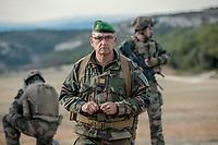 Soldats du 2eme REI<br /> Francoise Dumas, deputee LREM en visite  au 2eme regiment etranger d infanterie.Pendant cette visite elle d&eacute;couvre le VBCI et echange avec les militaires<br /> VBCI<br /> Vehicule blinde de combat &nbsp;fran&ccedil;ais&nbsp;tout-terrain&nbsp;a huit roues, con&ccedil;u et fabrique en France par&nbsp;Nexter Systems&nbsp;et par&nbsp;Renault Trucks Defense<br /> 11&nbsp;soldats&nbsp;peuvent prendre place a bord du vehicule, qui est equipe de tous les moyens de communication modernes<br /> L objectif du VBCI est d amener le&nbsp;fantassin&nbsp;au plus pres des combatLa protection du vehicule peut etre adaptee a la menace<br /> Le VBCI peut-etre&nbsp;aerotransportable&nbsp;par un&nbsp;Airbus A400M.