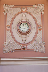 Staunton,Virginia,bank ceiling,Clock,wall clockMorgan Howarth