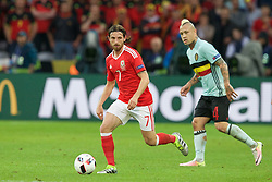 5LILLE, FRANCE - Friday, July 1, 2016: Wales' Joe Allen in action against Belgium during the UEFA Euro 2016 Championship Quarter-Final match at the Stade Pierre Mauroy. (Pic by Paul Greenwood/Propaganda)