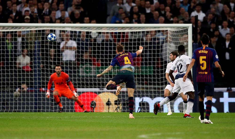 صور مباراة : توتنهام - برشلونة 2-4 ( 03-10-2018 )  38927693
