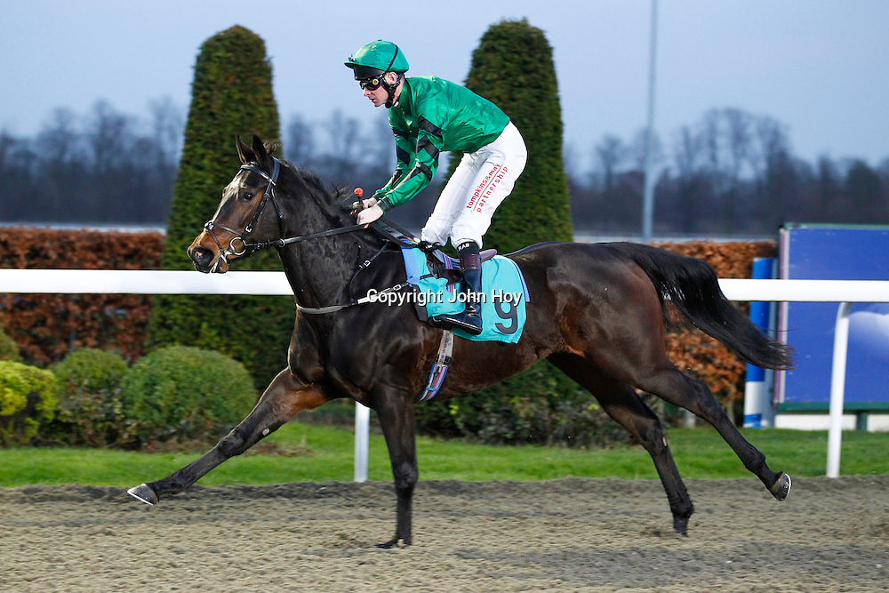 Sillabub and Robert Havlin winning the 3.50 race