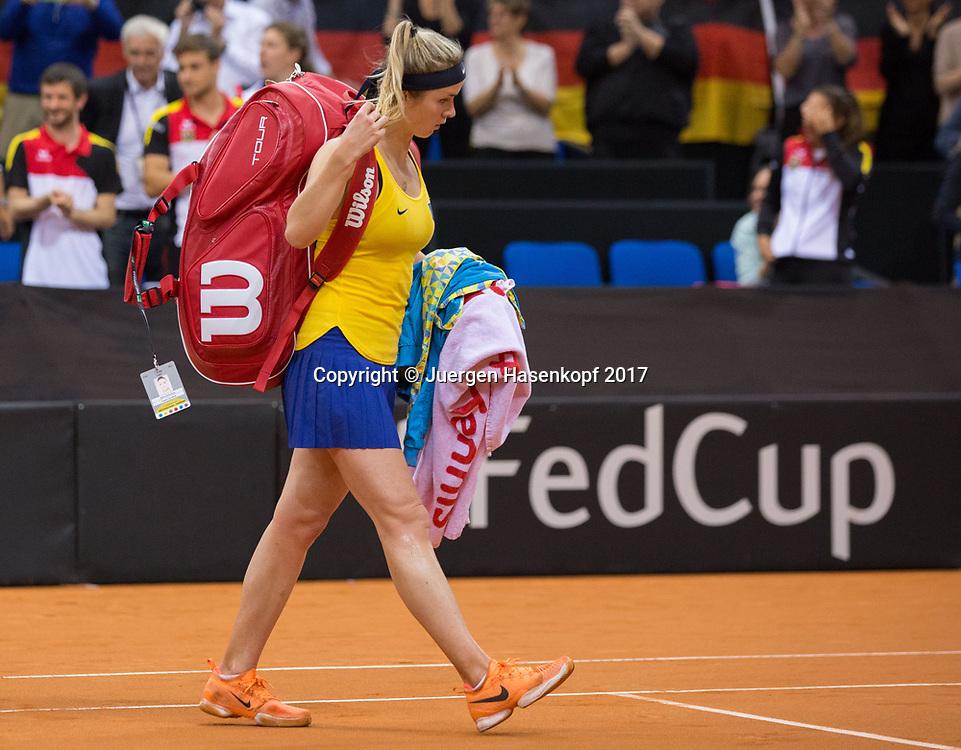 Fed Cup GER-UKR, Deutschland - Ukraine, <br /> Porsche Arena , Stuttgart,<br />  ELINA SVITOLINA (UKR) verlaesst den Platz nach ihrer Niederlage,